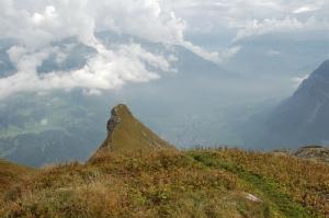 Vom Wiggis Nebengipfel Richtung Höchnase und Glarus